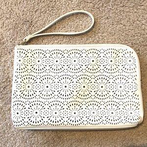 Old navy clutch purse